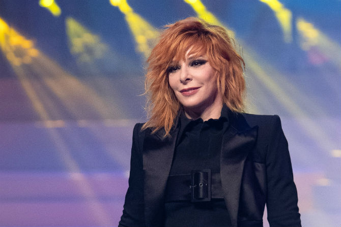 Mylene Farmer Un Documentaire Sur Les Coulisses De Ses Concerts Le 25 Septembre Sur Amazon Prime