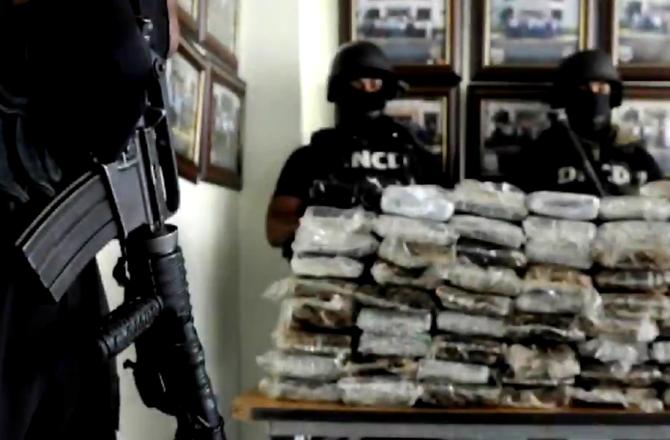 REPLAY - Air Cocaïne... (W9) : Enquête sur l'une des plus grosses saisies de drogue de l'histoire